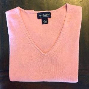 Sweaters - Anne Taylor short sleeve sweater